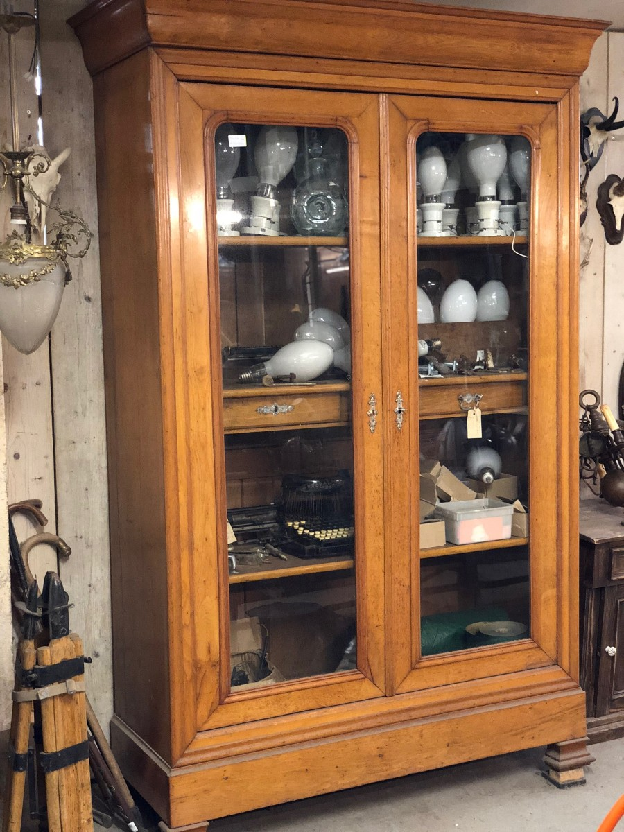 Antique Cabinet Showcase Shop Fitting