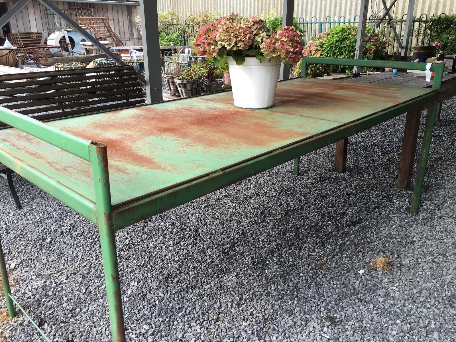 Tafel gietijzeren onderstel tafels woontheater andagames