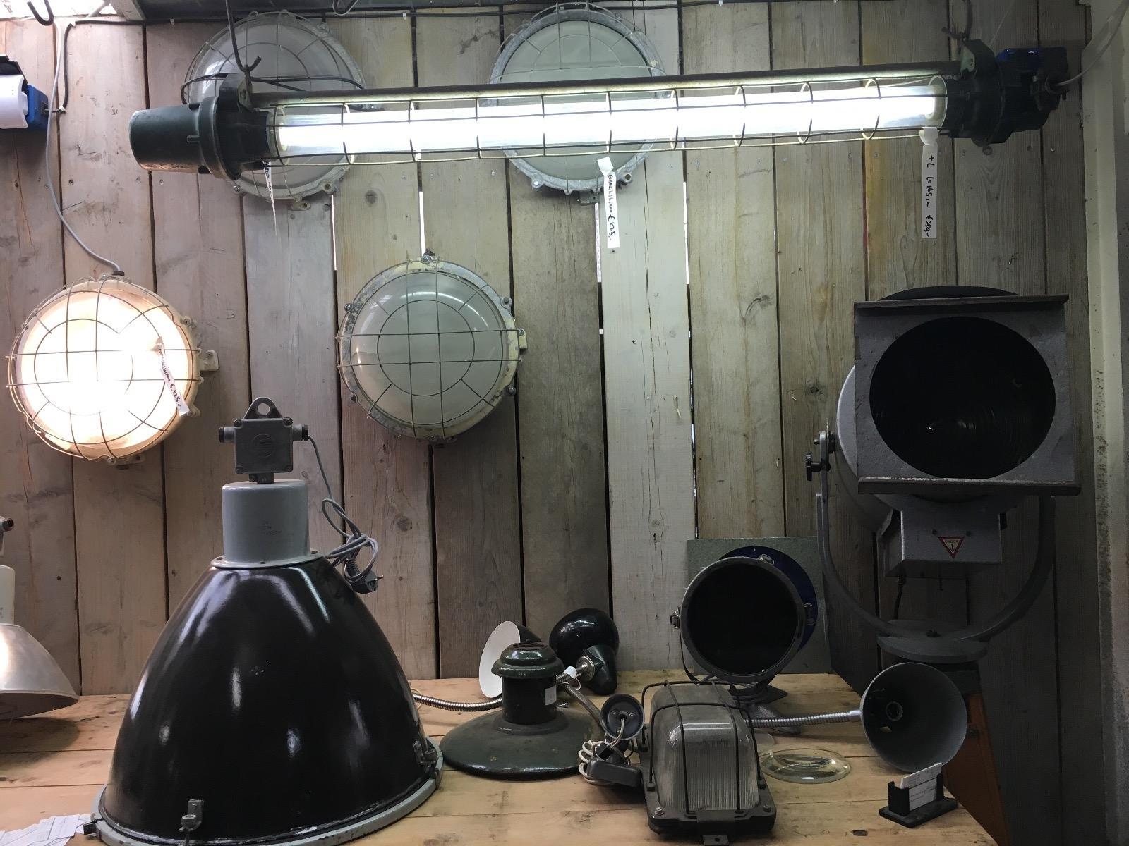 Bureau Hang Tl Lamp.Burbri