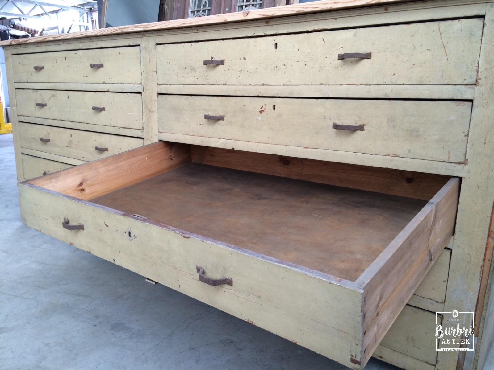 Vintage antique big cabinet with drawers antieke for Ladenblok diepte