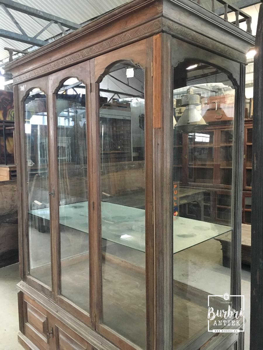 Antieke Vitrinekast Te Koop.Antique Display Case Antieke Vitrinekasten Winkelinrichtingen