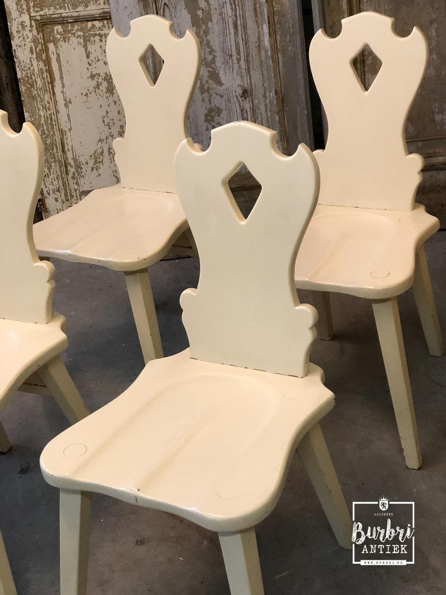 4 Witte Eetstoelen.Antique White Chairs Set Of 4 Tafel Stoelen Antieke Meubels