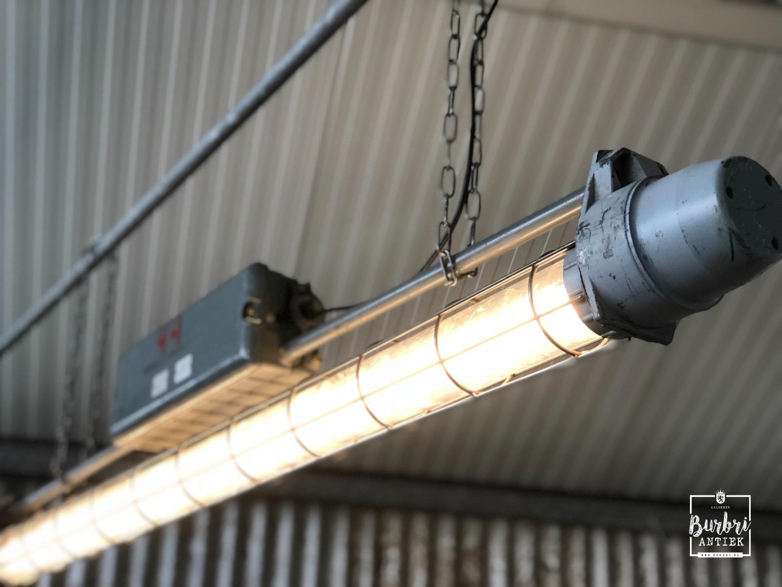 Grey industrial tl led light 1.65m long! industriële tl lampen