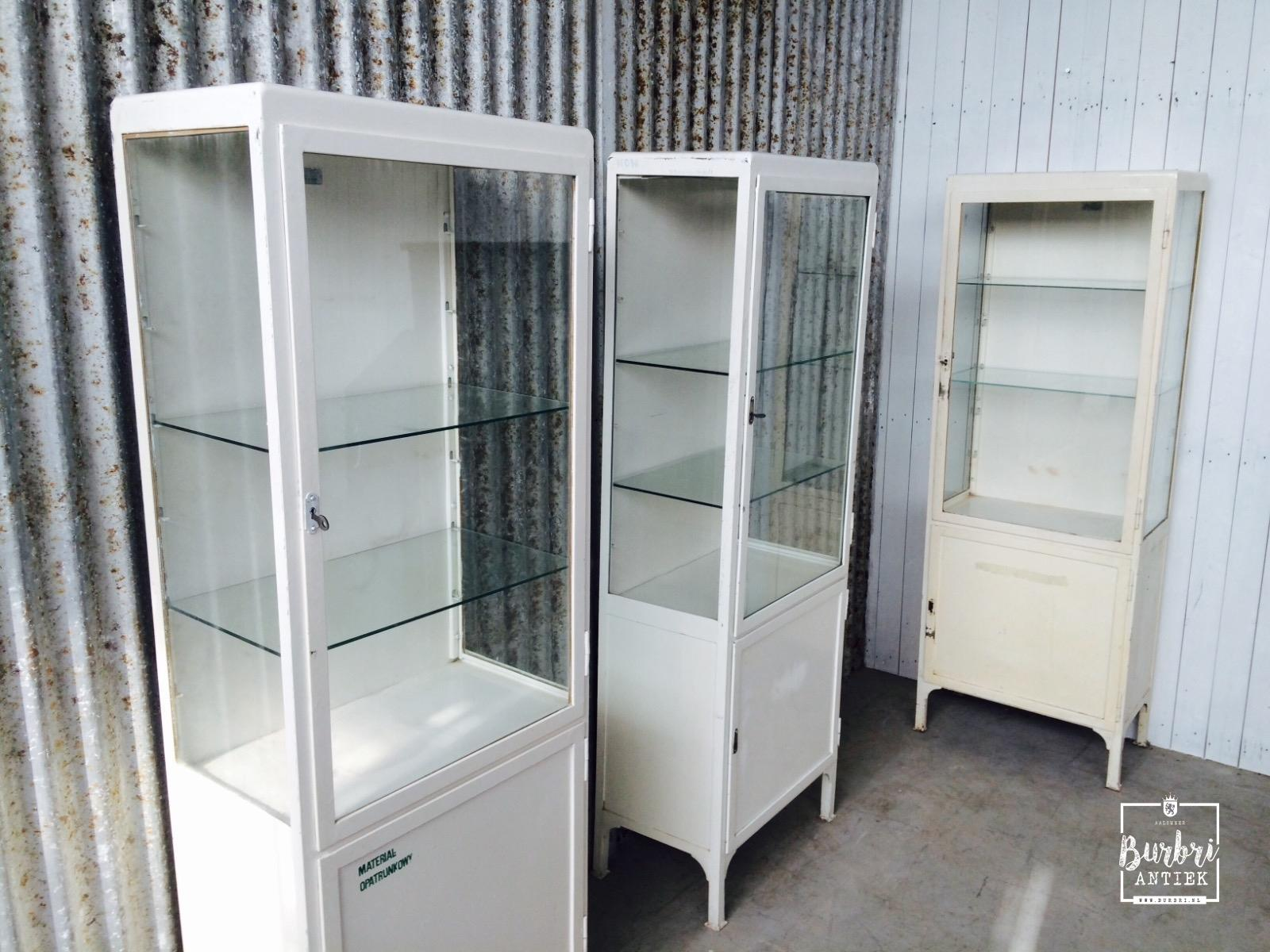 Industriele Vitrine Kast.Industrial Industrial Old Show Case Cabinet Antieke Winkelkasten