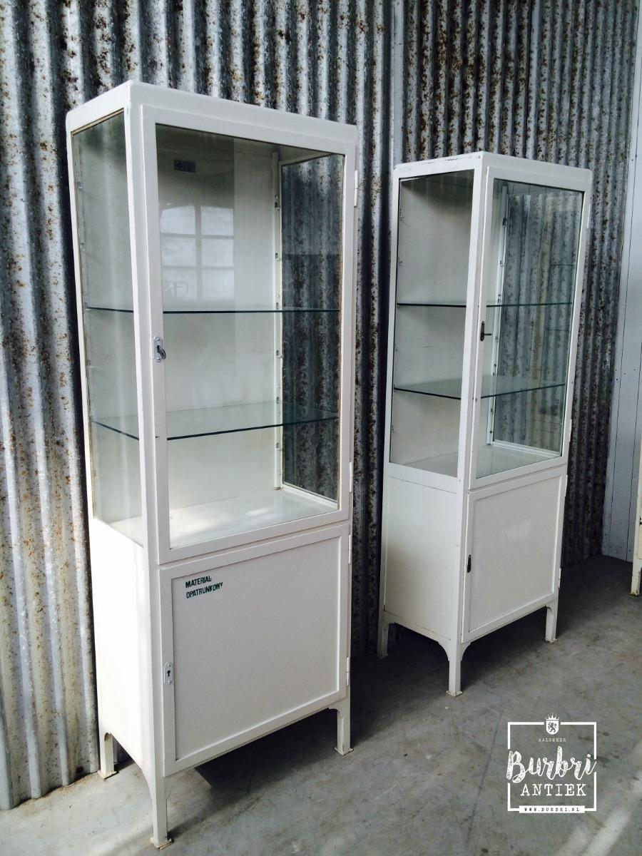 Industrial industrial old show case cabinet antieke for Vitrine industrielle