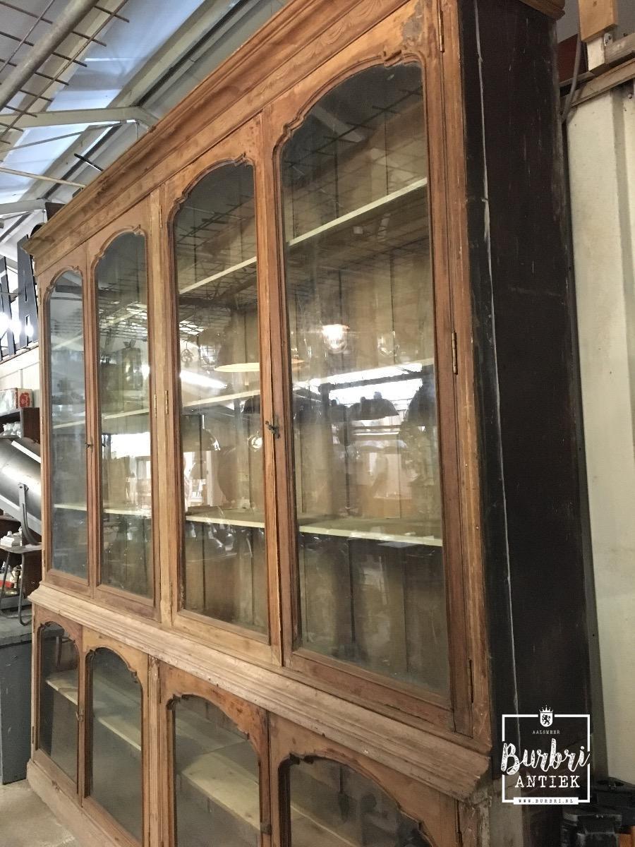 Antieke Vitrinekast Te Koop.More Avaible Antique Shopfittings Old Shop Cabinets Antieke